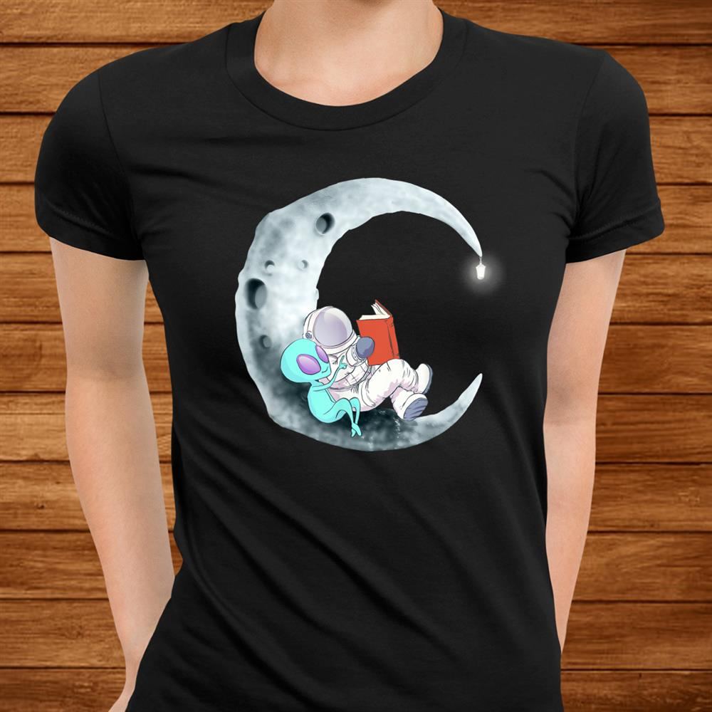 Alien Astronaut Reading Books In Space Shirt