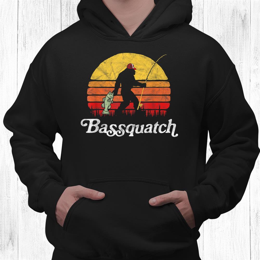 Bassquatch Funny Bigfoot Fishing Outdoor Retro Shirt