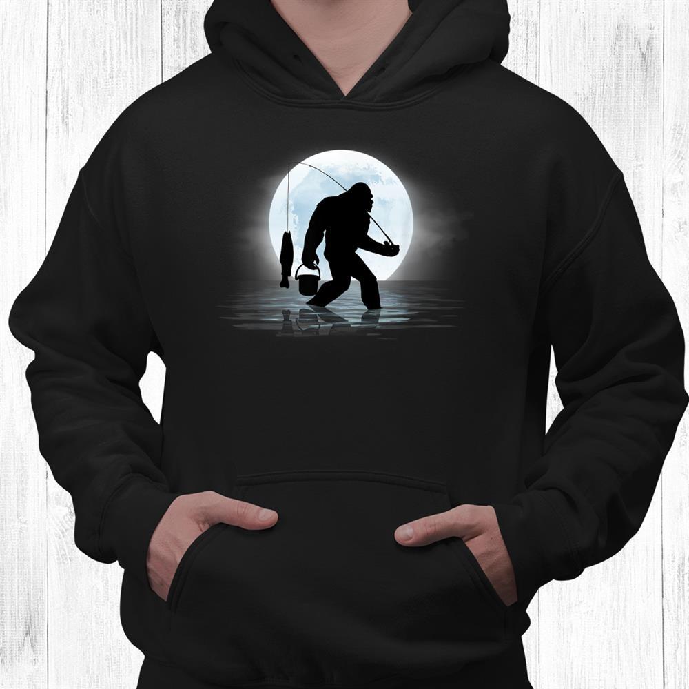 Bigfoot Fishing Funny Sasquatch And Fish Night Fishing Shirt