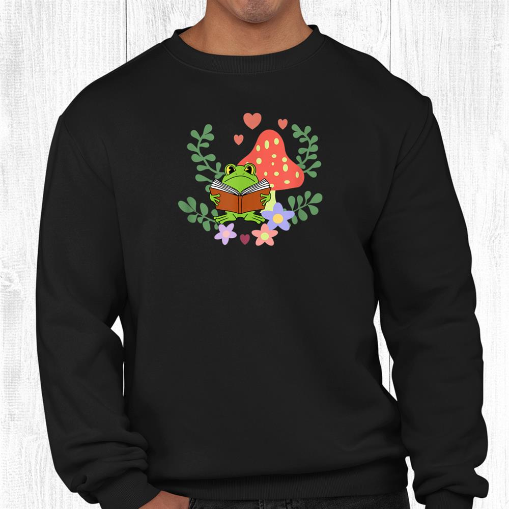 Cottagecore Frog Reading A Book For Readers Or Librarians Shirt