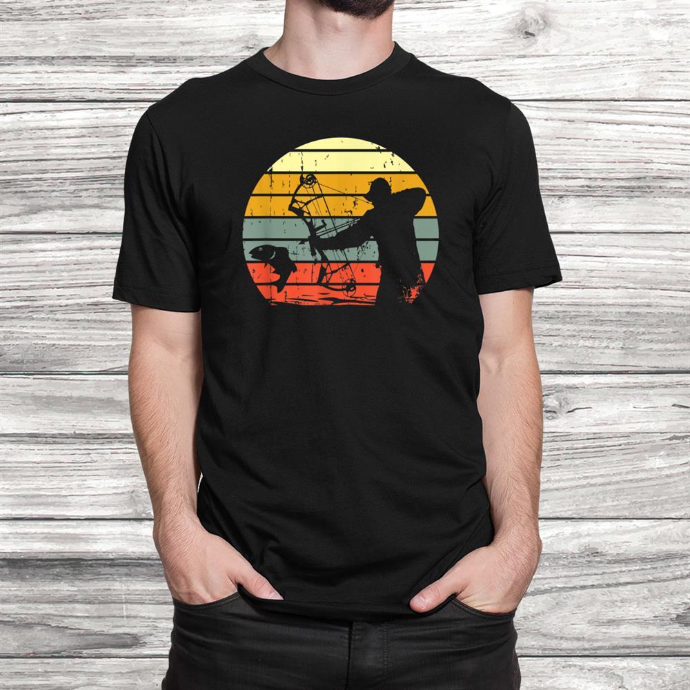 Retro Bowfishing T-Shirt Vintage Fishing Fisherman Gift Tee Black